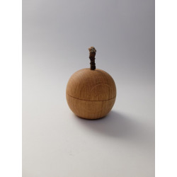 Small Box from oak in apple...
